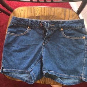 Faded glory size 6 shorts. Like new. Medium blue